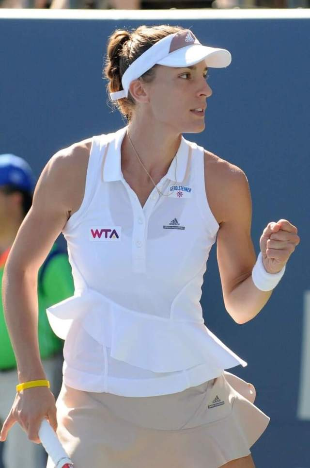 Andrea Petkovic cleavages pics