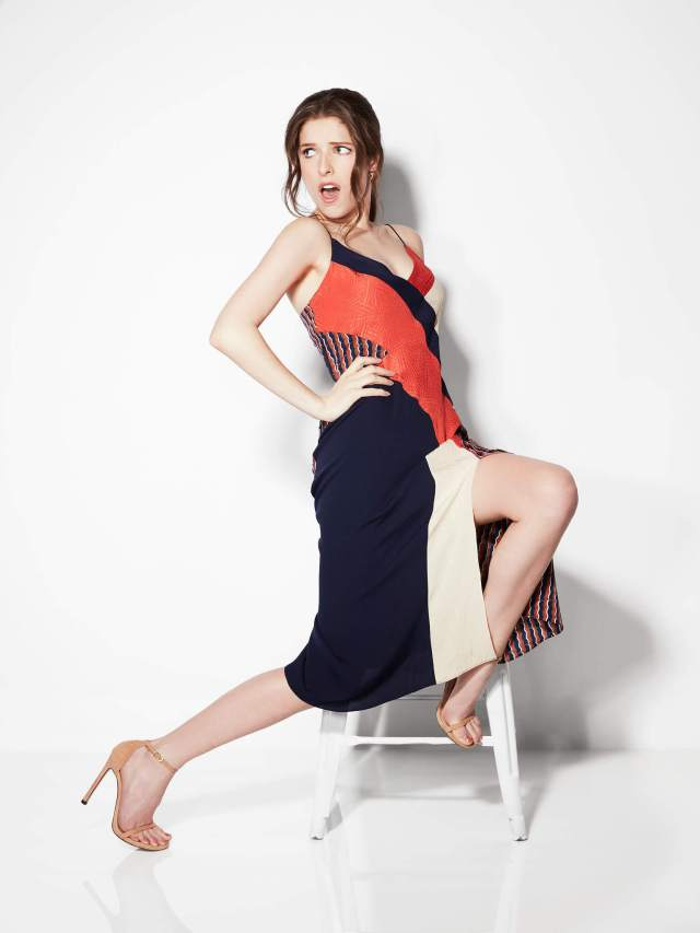 Anna Kendrick feet awesome pic
