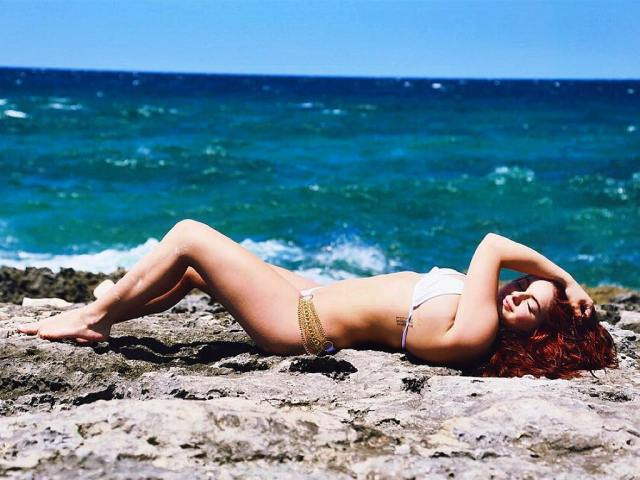 Ariel Winter hot and sexy photo