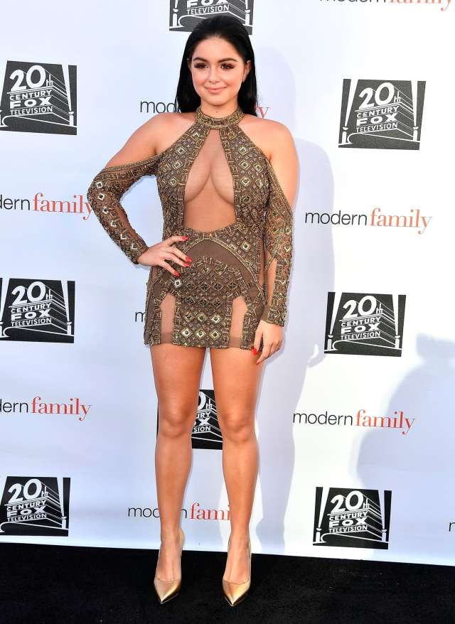 Ariel Winter hot and sexy picture