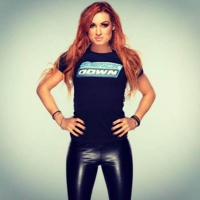 Becky-Lynch sexy p[ictures