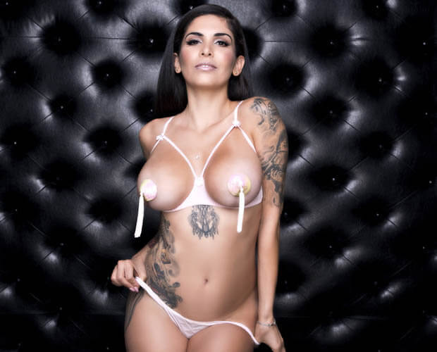 Cami-Li awesome cleavages