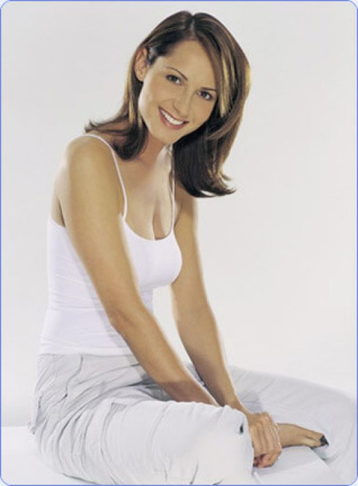 Chely Wright cleavages awesome pic