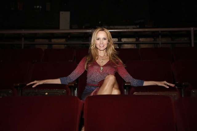 Chely Wright hot pictures