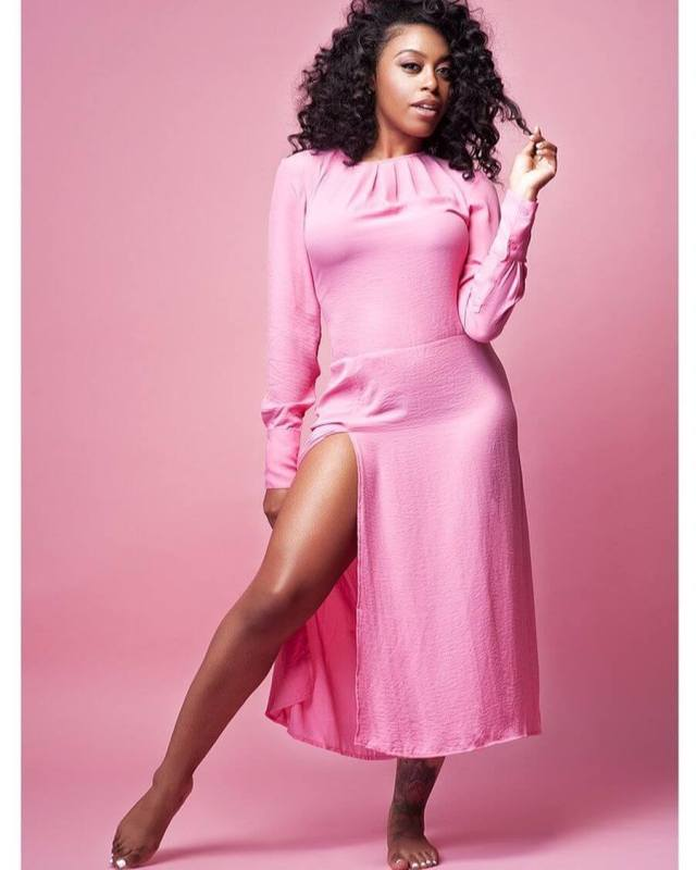 DomiNque Perry sexy pink dress