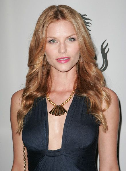 Ellen Hollman hot and sexy picture