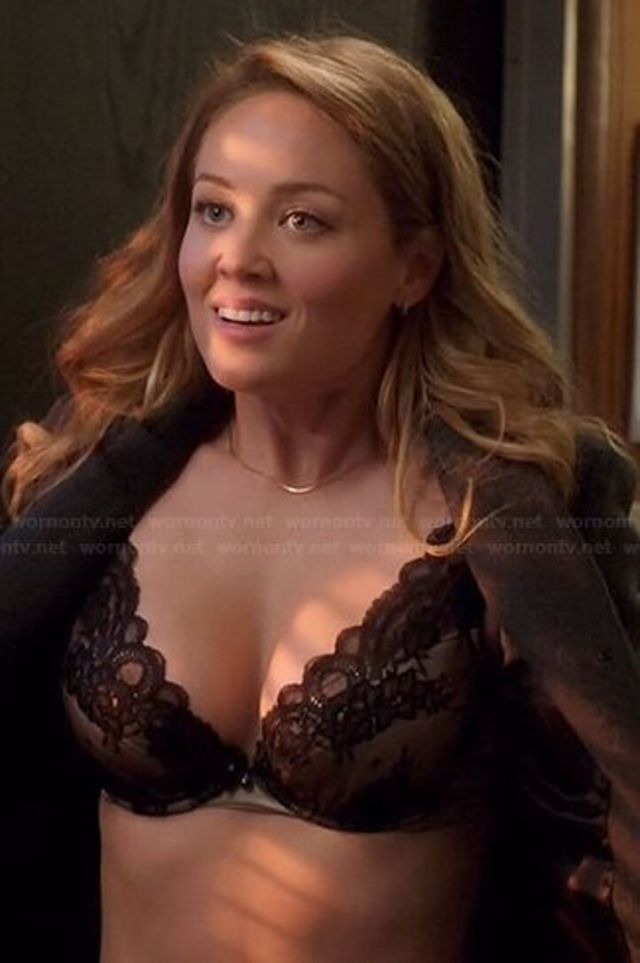Erika Christensen awesome cleavages