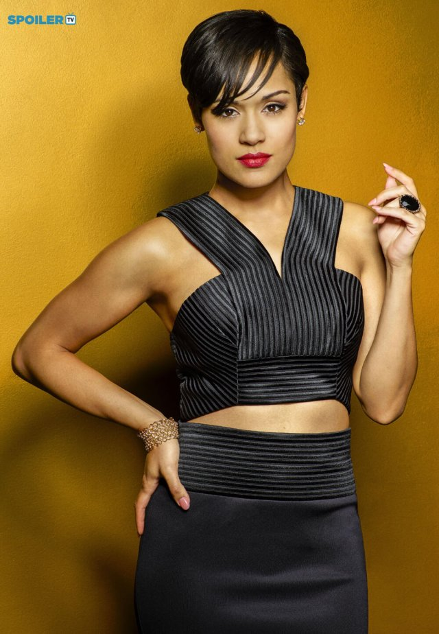 Grace Gealey hot cleavages