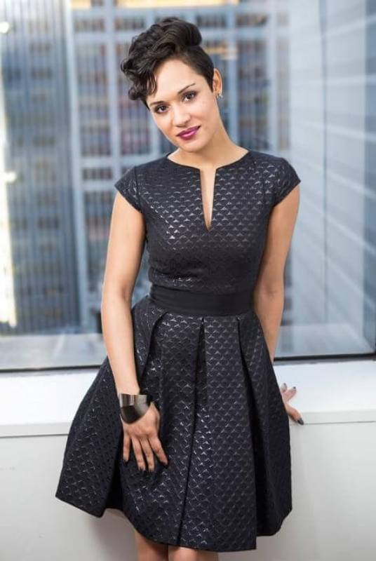 Grace Gealey sexy pics (2)