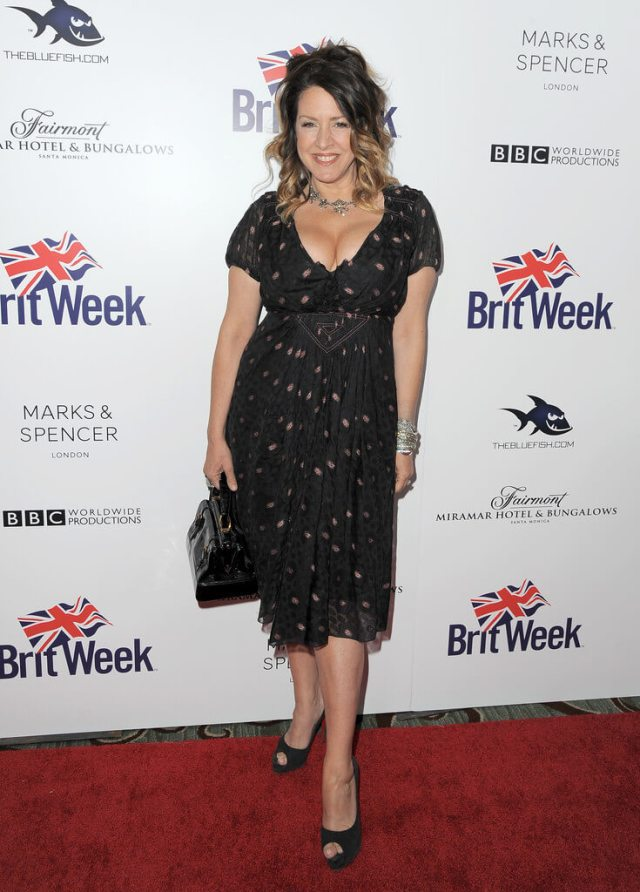 Joely Fisher feet awesome