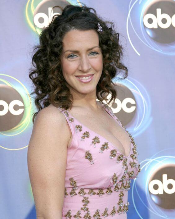 Joely Fisher sexy photos