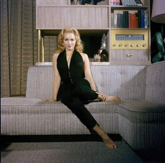 Julie Newmar hot cleavages pictures