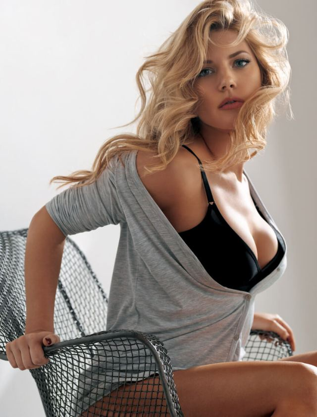 Katheryn Winnick sexy cleavages