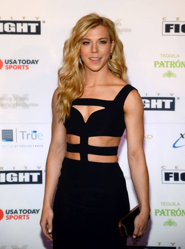 Kimberly Perry awesome cleavages