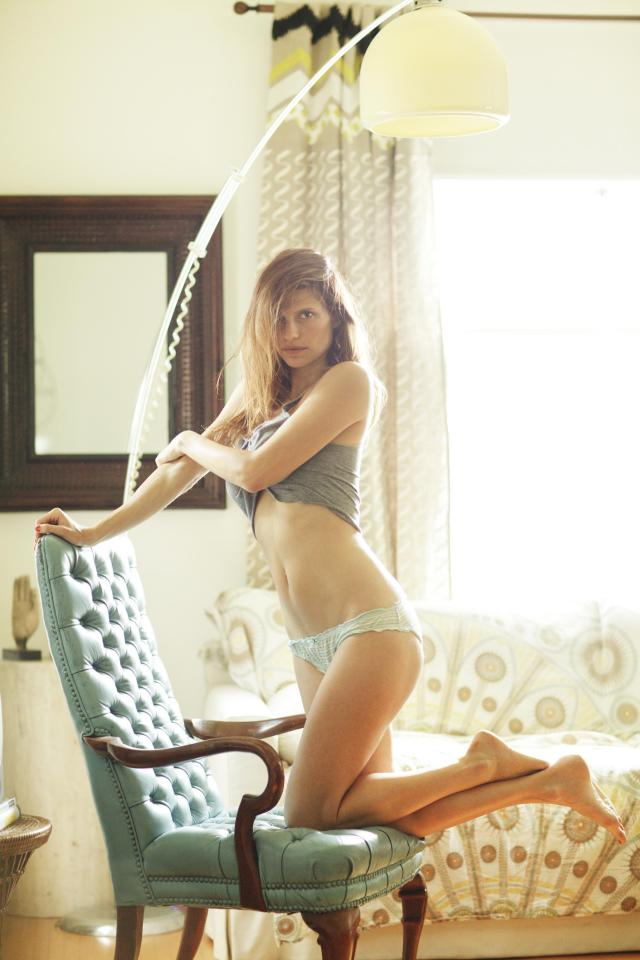 Lake Bell awesome pic ass