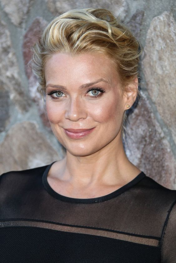 Laurie Holden hot and sexy pic