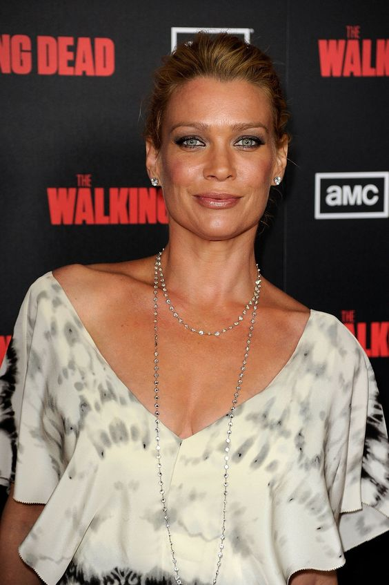 Laurie Holden sexy and hot pic