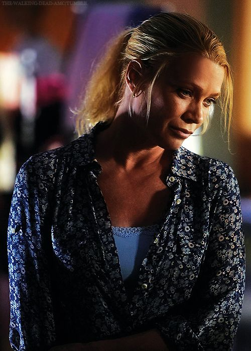 Laurie Holden sexy women pic