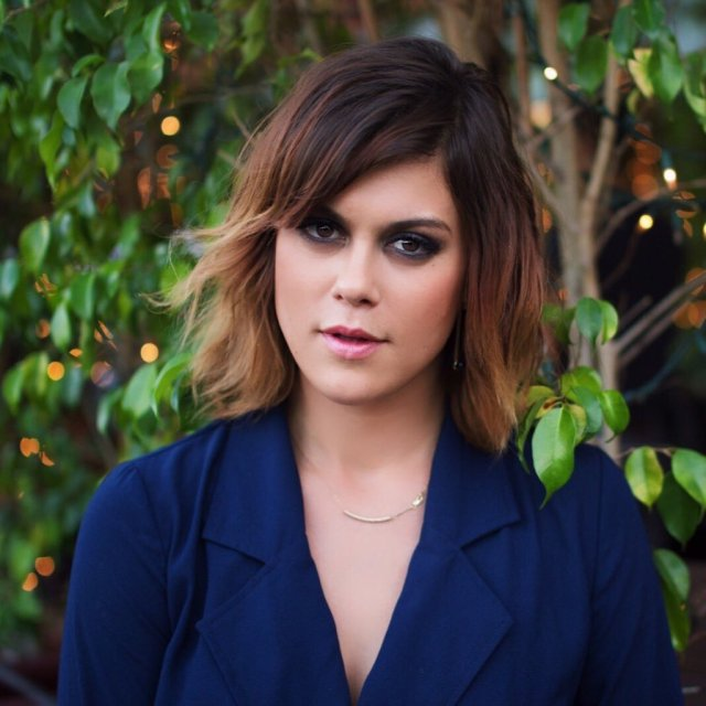 Lindsey Shaw sexy lady picture