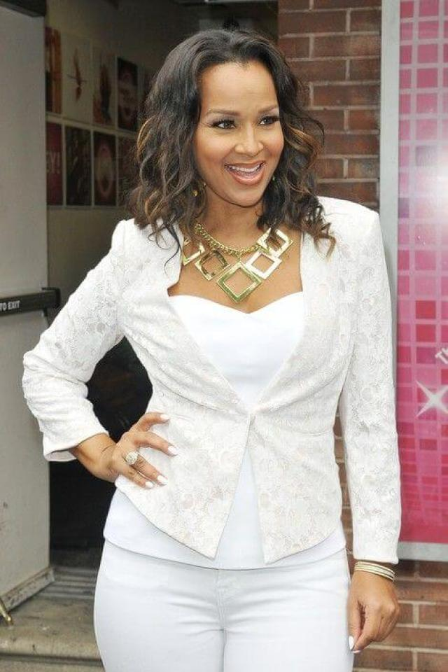 LisaRaye McCoy sexy cleavages pictures