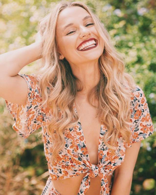 Madison Iseman awesome pictures