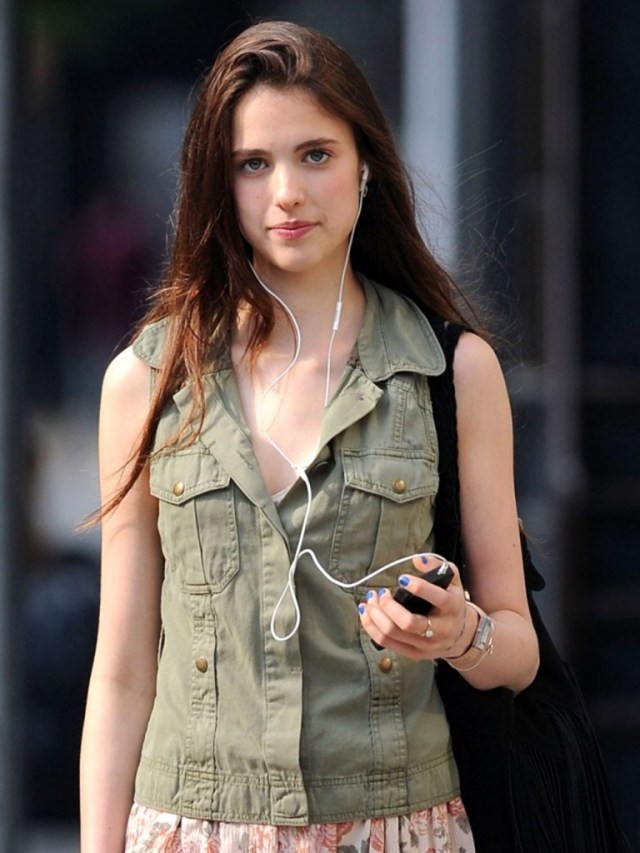 Margaret Qualley hot women pic