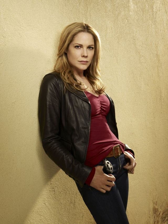 Mary McCormack hot side picture