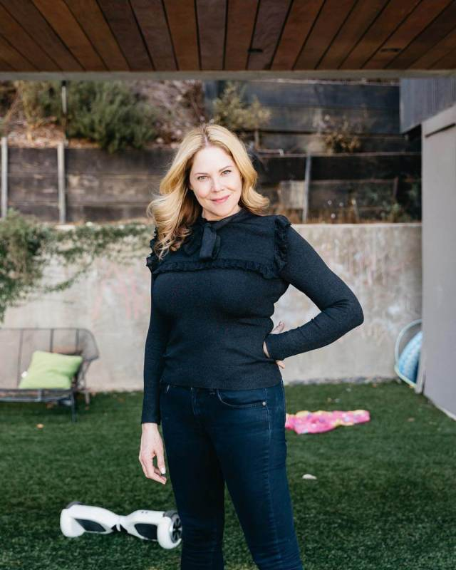 Mary McCormack sexy pictures
