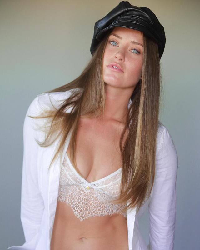 Merritt Patterson very hot picture