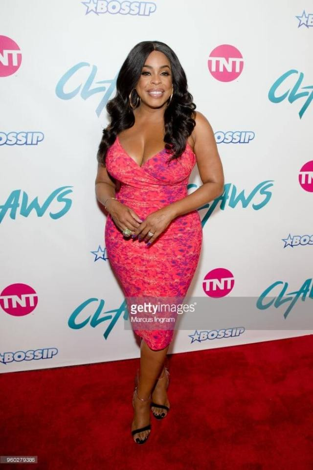 Niecy-Nash awesome photos