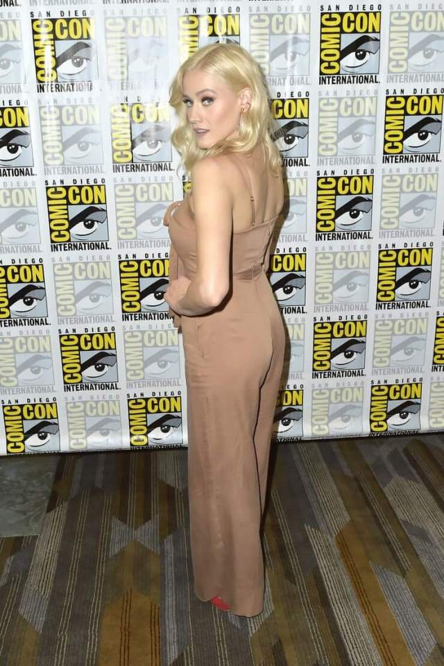 Olivia Taylor Dudley butt