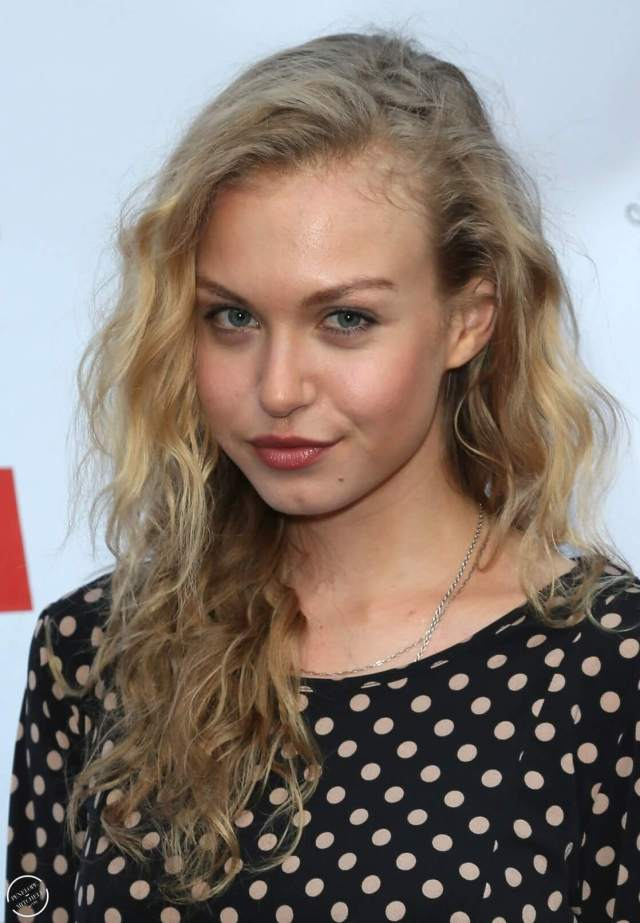 Penelope Mitchell sexy long hairs