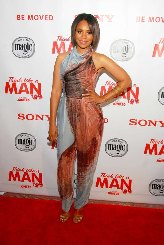 Regina Hall hot leg pic