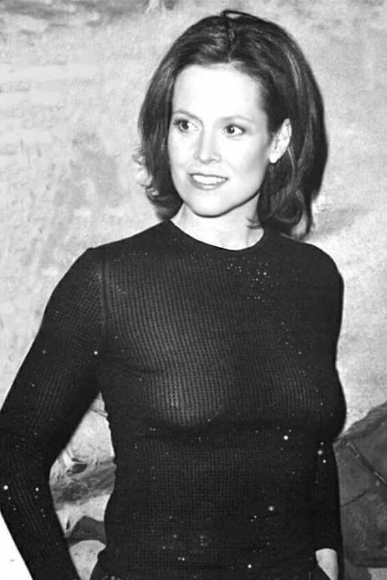 Sigourney Weave beautiful picture