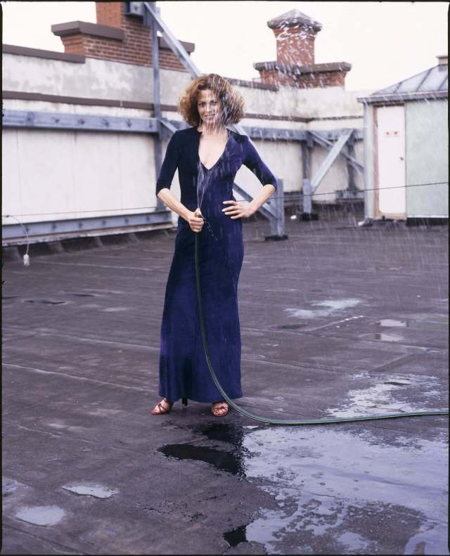 Sigourney Weaver awesome cleavages