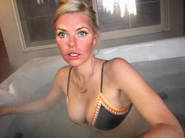 Sophie Monk Sexy Boobs Pictures