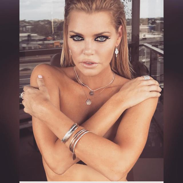 Sophie Monk Sexy Boobs Pictures Topless