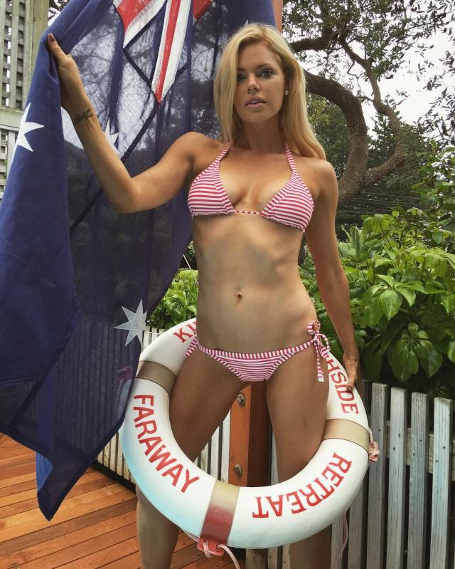 Sophie Monk Sexy Boobs Pictures on Beautifull Lingerie