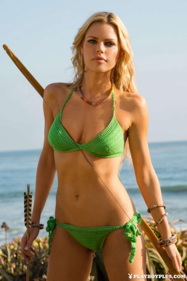 Sophie Monk Sexy Boobs Pictures on Green Bikini