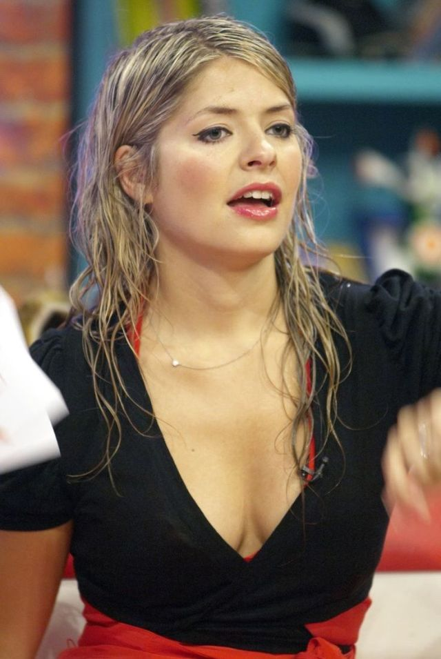 holly Willoughby damm hot pic