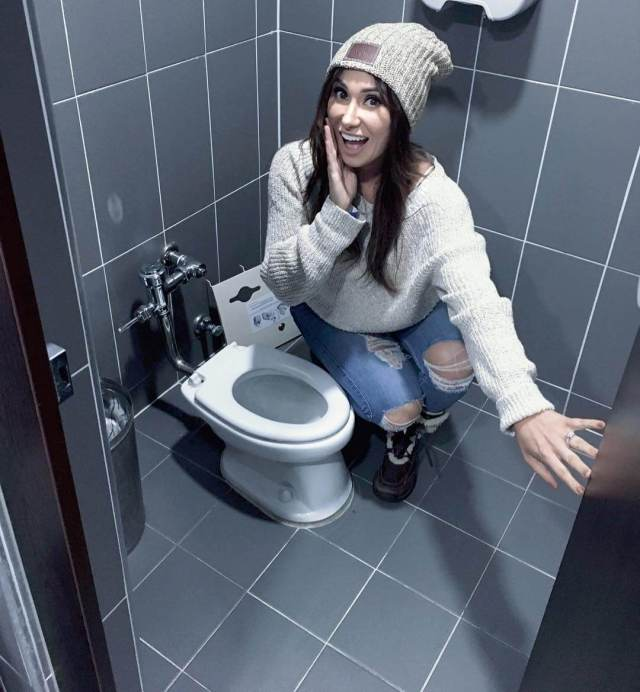 jenn sterger in the toilet