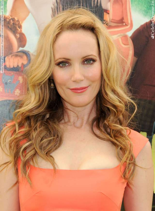 leslie mann sexy lips
