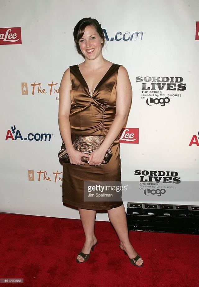 Allison Tolman sexy cleavages