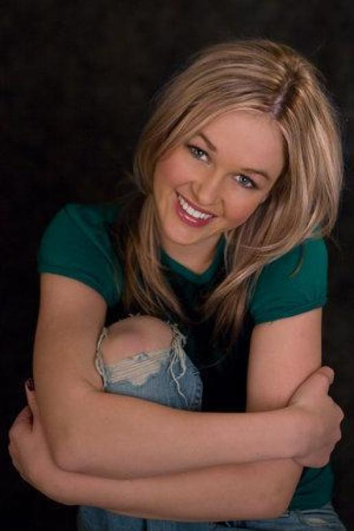 Ambyr Childers awesome picture (2)