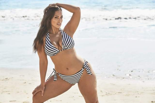 Ashley Graham sexy photo