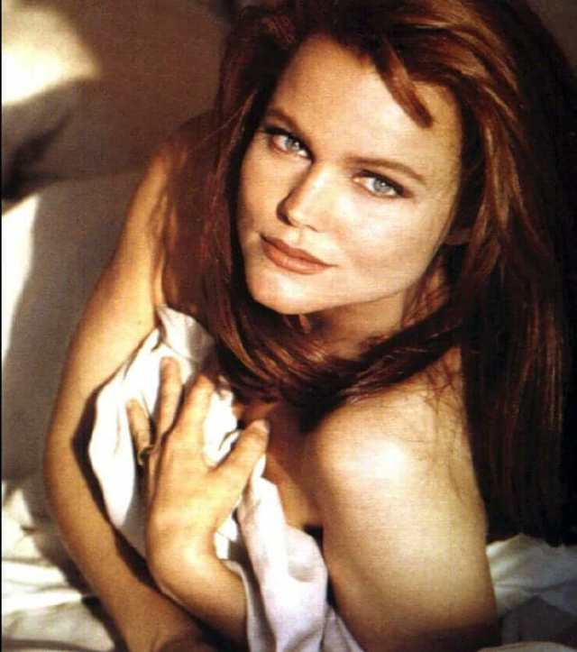 Belinda Carlisle sexy cleavages picture