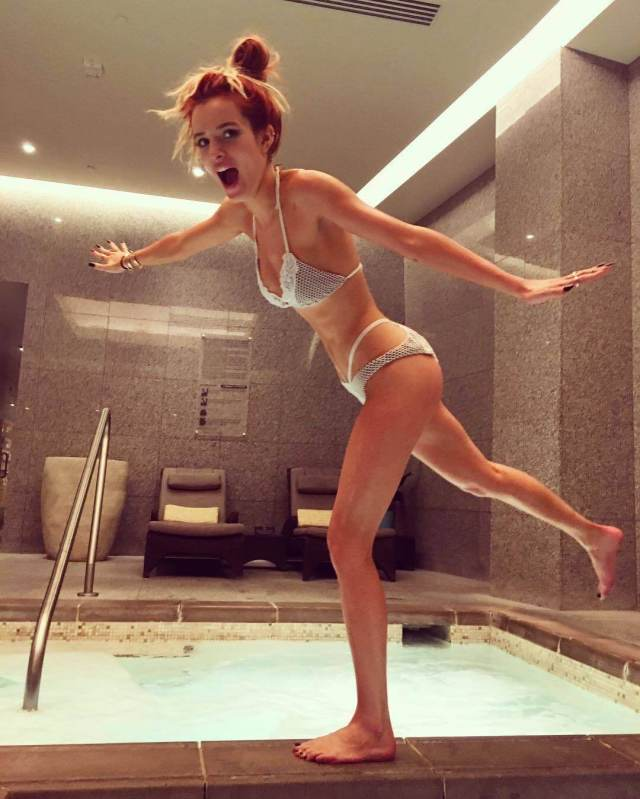 Bella Thorne awesome photo