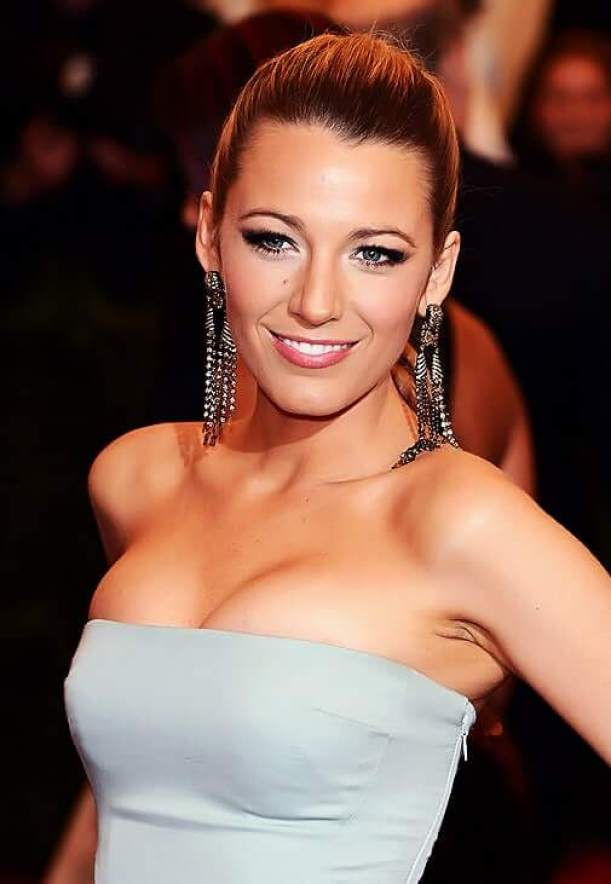 Blake Lively sexy busty picture