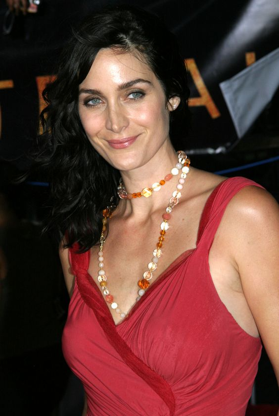 Carrie Anne Moss Hot on Party