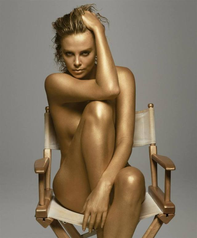 Charlize Theron sexy near nude pic